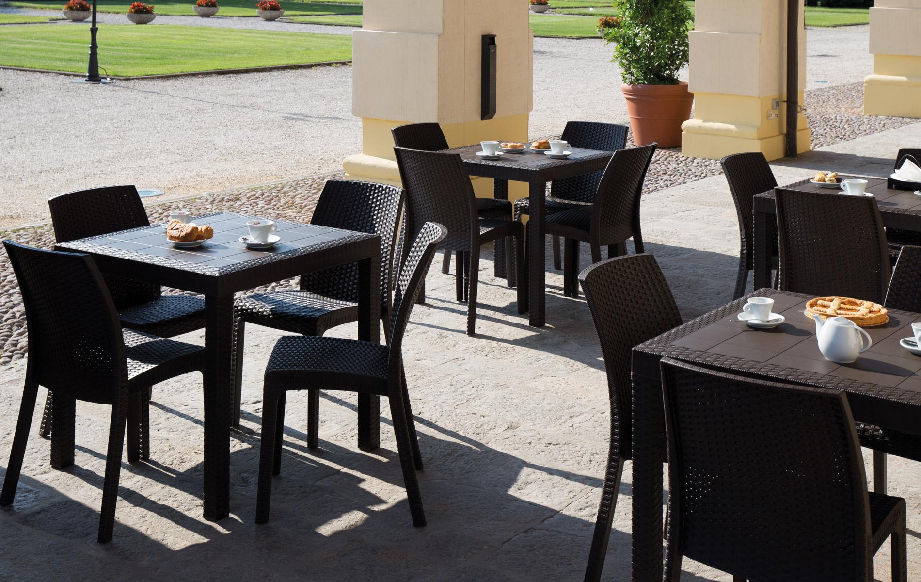 Tavolo quadrato con 4 sedie senza bracciolo dallas virginia ws